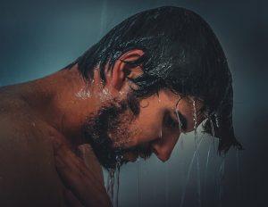 hőség ellen zuhanyzás