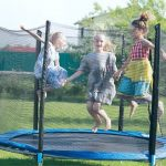 Aktív mókázás – hogyan válasszuk ki az ideális trambulint a gyerekeinknek?