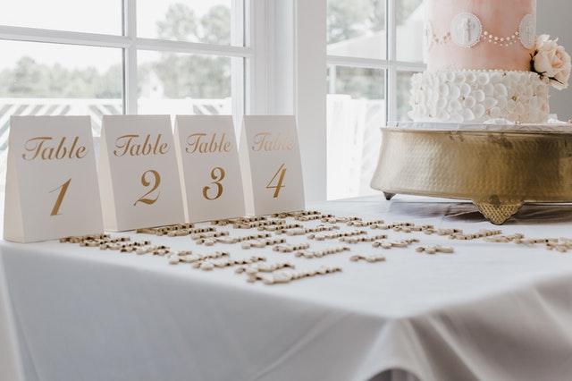 esküvő asztalok