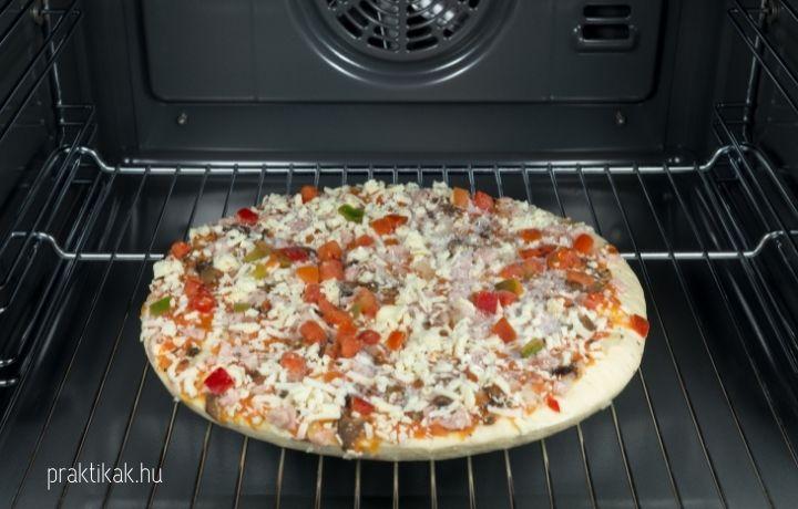 fagyasztott pizza sütése sütőben